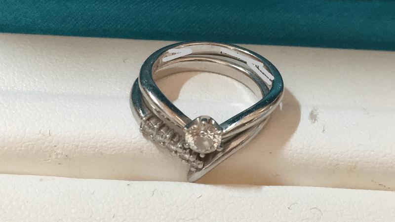 銀座ダイヤモンドシライシ-リングケース-婚約-結婚-指輪セット